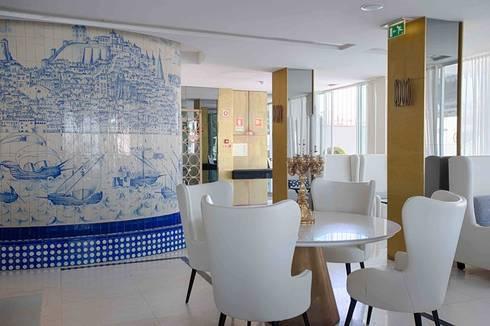 modern Dining room by Lustrarte Lighting