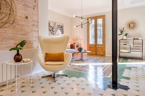 Detalle salón: Salones de estilo moderno de Markham Stagers