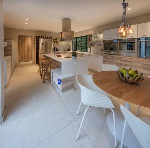 modern Kitchen by Spegash Interiors