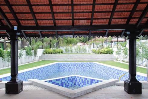 Luxo Villa at Aldona, Goa, India: rustic Pool by Rita Mody Joshi & Associates