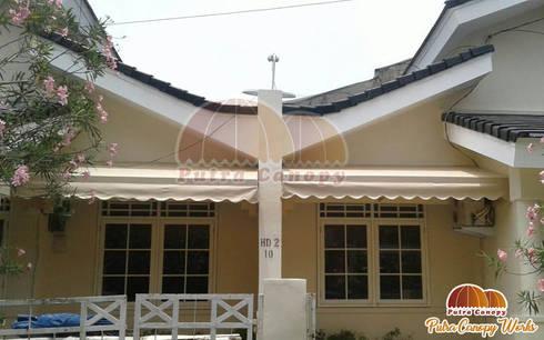 Canopy Kain Jakarta Warna Cream:  Balconies, verandas & terraces  by Putra Canopy