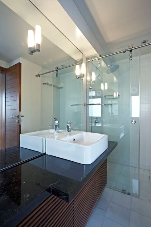 Apartment at Park Avenue: modern Bathroom by DCOOP ARCHITECTS