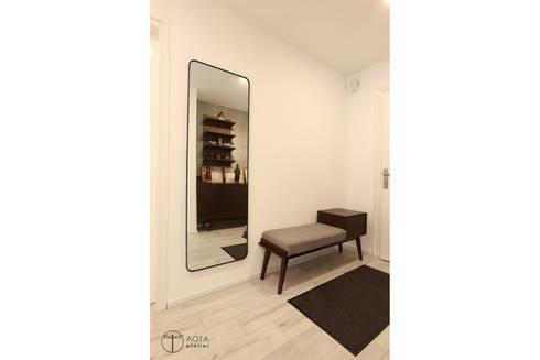 Cải tạo căn hộ tầng 7 Chung cư Ngọc Khánh:  Hành lang by AOTA atelier
