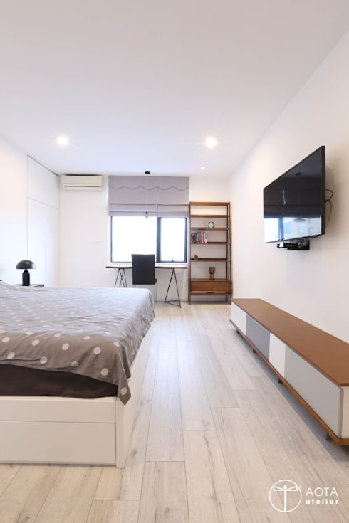 Cải tạo căn hộ tầng 7 Chung cư Ngọc Khánh:  Phòng khách by AOTA atelier