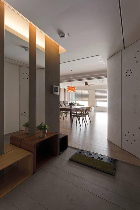 玄關:  走廊 & 玄關 by 禾光室內裝修設計 ─ Her Guang Design