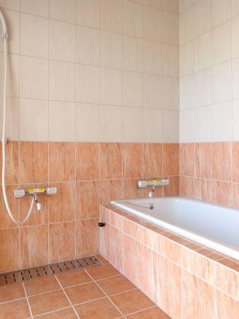 浴室 by 株式会社青空設計