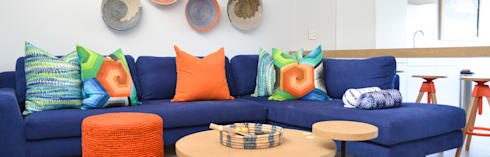 Colour Kaleidoscope: classic Living room by Studio Mitchell
