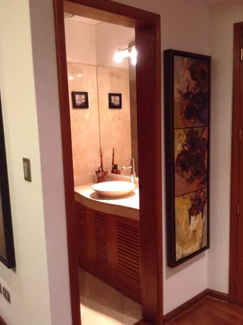 Baño visita: Baños de estilo clásico por Alicia Ibáñez Interior Design
