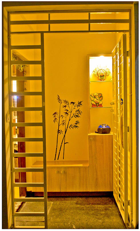 Foyer & Entry:  Corridor & hallway by Space Collage