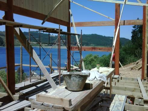 Casa Lago Vichuquen, Chile: Casas de estilo mediterraneo por GB Arquitectura Ltda.