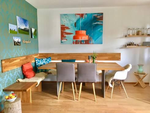 Ein Gemütliches Esszimmer Für Die Große Familie Von Wand & Sofa