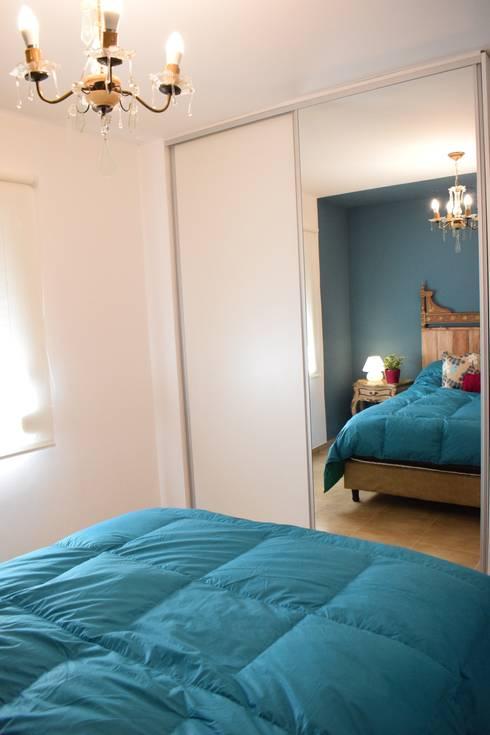 Departamento en Barrio Chateau: Dormitorios de estilo ecléctico por Da!  Diseño de  Interiores