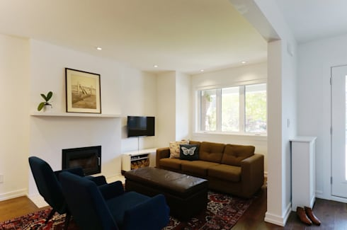 Oakwood Village House - Living Room: eclectic Living room by Solares Architecture