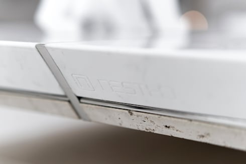 nestho table 01:  客廳 by Nestho studio