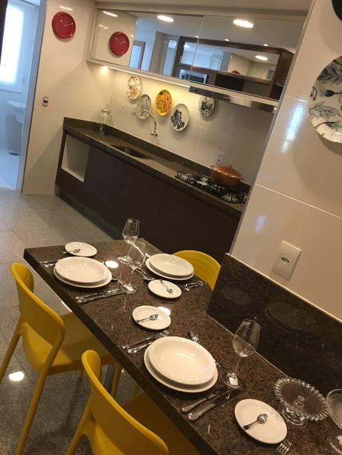 Cozinha profissional: Cozinhas modernas por Costa Lima Arquitetura Design e Construções Ltda