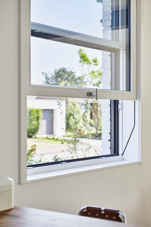 Ausbau eines Einfamilienhauses:  Holzfenster von Schreinerei Fischbach GmbH & Co. KG