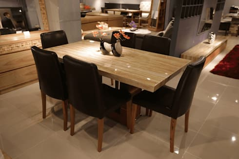 Residential: modern Dining room by  Eminent Enterprise LLP