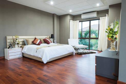 Residential: modern Bedroom by  Eminent Enterprise LLP