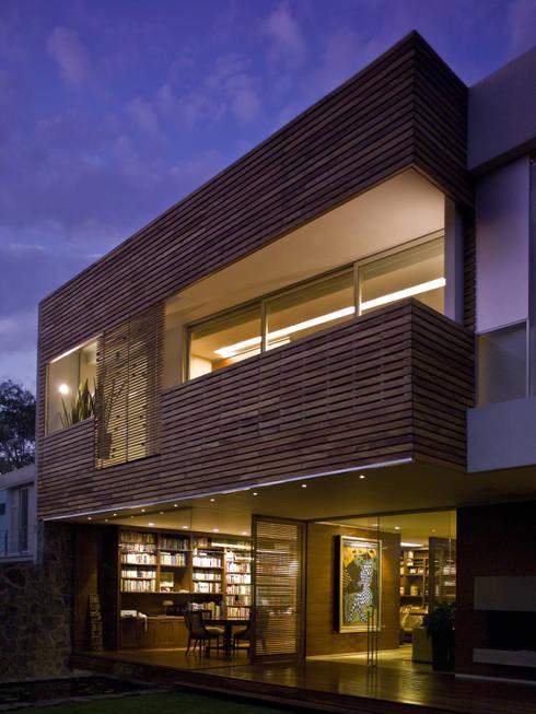 Casa Crater 1: Casas de estilo  por Eduardo Gutiérrez Taller de Arquitectura