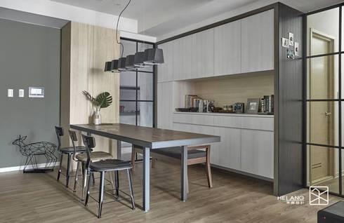 廚房拉門:  餐廳 by 禾廊室內設計