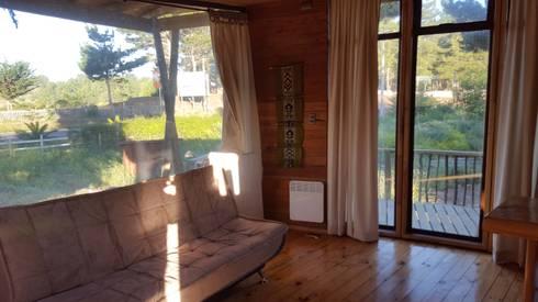 Kimche Lodge: Comedores de estilo mediterraneo por Kimche Arquitectos