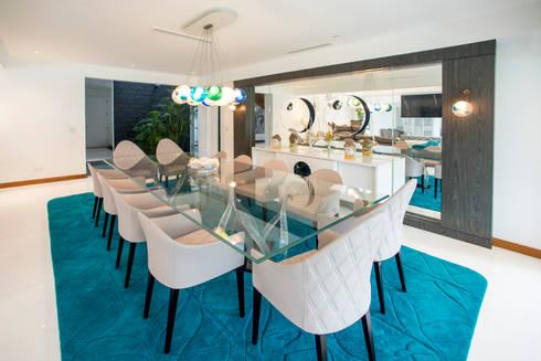 Casa T : Comedores de estilo moderno por Gracia Nano Studio