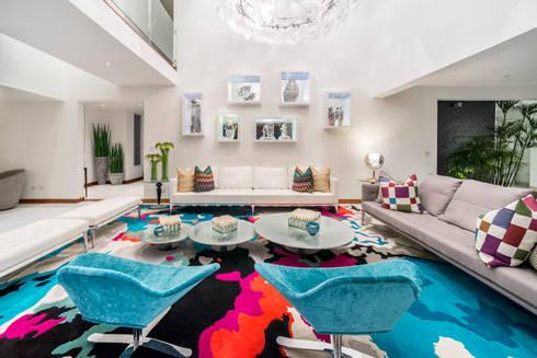 Casa T : Salas / recibidores de estilo moderno por Gracia Nano Studio