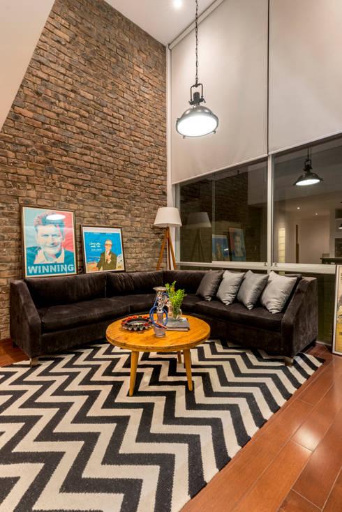 Loft del Piloto: Salas / recibidores de estilo  por Gracia Nano Studio