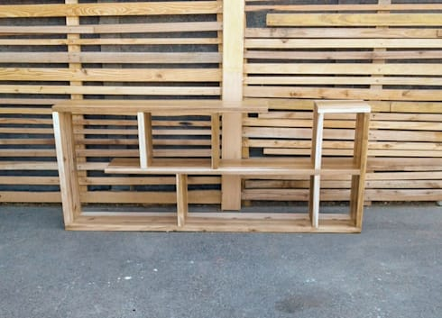 Open Spacer Shelf:  Living room by Eco Furniture Design