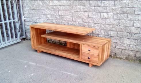G Floating TV Unit:  Living room by Eco Furniture Design
