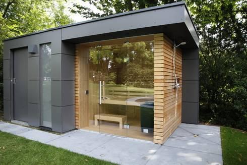 gartensauna von gartenhauptdarsteller homify. Black Bedroom Furniture Sets. Home Design Ideas
