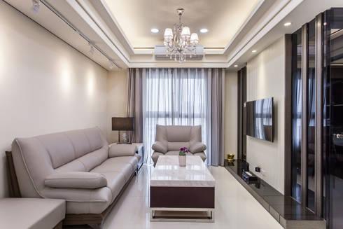 晶亮27坪空間放大術:  客廳 by 好室佳室內設計