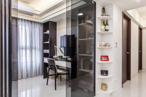 晶亮27坪空間放大術:  書房/辦公室 by 好室佳室內設計