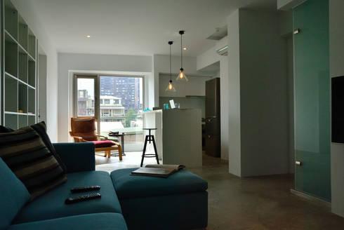 【住宅設計】和平東路 – 20坪清新居家風格:  客廳 by 大觀創境空間設計事務所