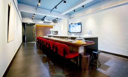 淺藍精品咖啡:  餐廳 by Unicorn Design
