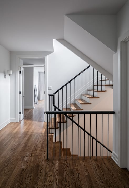 Glebe Avenue Residence:  Stairs by Flynn Architect