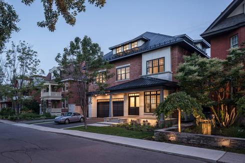 Glebe Avenue Residence: classic Houses by Flynn Architect