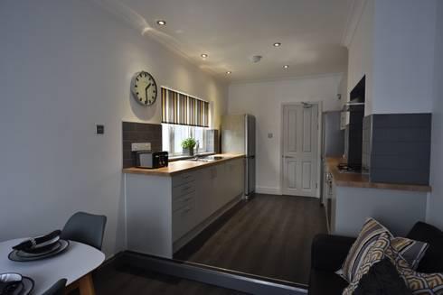 modern Kitchen by Kerry Holden Interiors