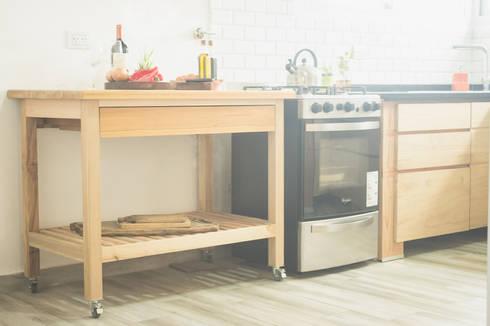 Proyecto santa rosa cocina de mon estudio homify for Muebles de cocina moviles