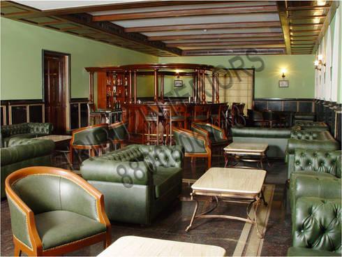 Club:  Bars & clubs by Tribuz Interiors Pvt. Ltd.