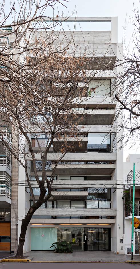 ATV14 / Ravignani 2170: Casas de estilo moderno por ATV Arquitectos