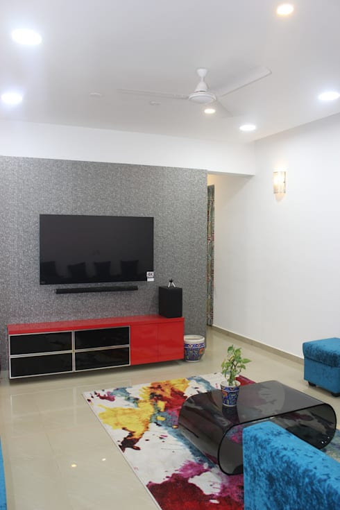 Amanora Park town: modern Living room by Area Planz Design
