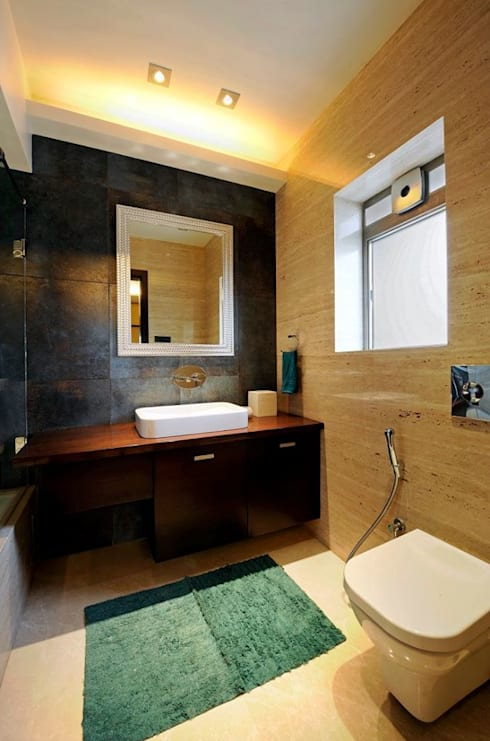 Neanpeanse Road, Mumbai:  Bathroom by DesignTechSolutions