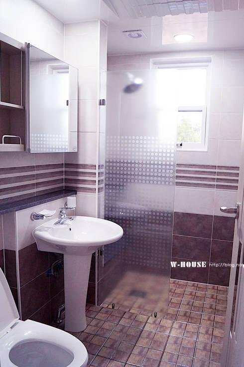 함라 신대리 2호 35평형 ALC전원주택: W-HOUSE의  화장실