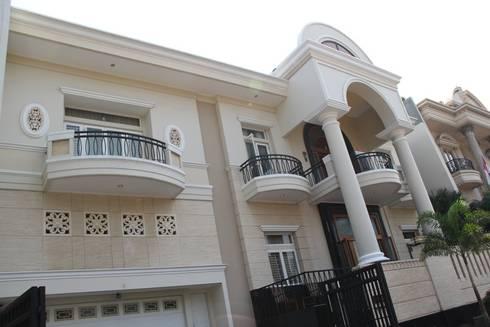 Pantai Mutiara R41:  Rumah by sony architect studio