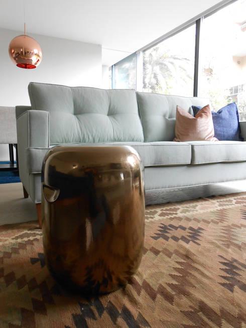Sala de estar: Salas de estar modernas por Tangerinas e Pêssegos