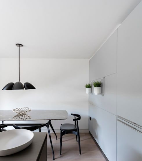Farlow House:  Kitchen by Kitchen Architecture