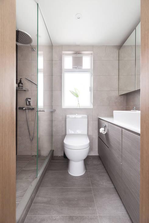 Cherry Crest: scandinavian Bathroom by Clifton Leung Design Workshop