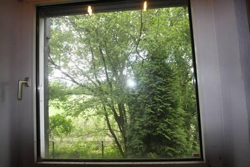 Blick aus Küchenfenster vorher:   von  immoptimum HOME STAGING GbR
