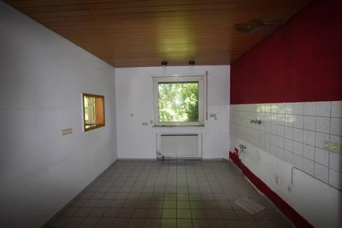 Küche vorher:   von  immoptimum HOME STAGING GbR